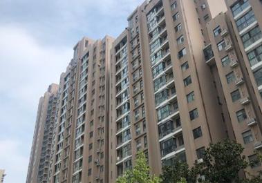 【天下城3号楼】实拍郑州市居民住宅楼明装暖气片施工案例