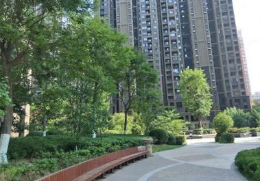 【圣菲城四期20号楼】郑州市居民住宅暖气片之明装暖气安装案例实拍
