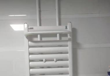 【圣菲城四期20号楼】河南住宅采暖系统暖气安装之明装暖气片实拍